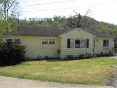 House for Sale in Charleston, West Virginia, Ref# 747352