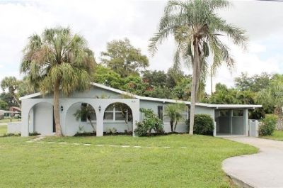New paint inside and out updated 3/2 block home (VENICE, FL)