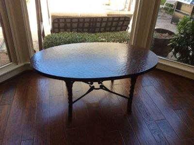 BEAUTIFUL HAMMERED METAL FINISH COFFEE TABLE