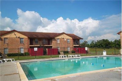 Bright Baytown, 2 bedroom, 1 bath for rent