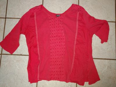 Hannah 1x women top with lace