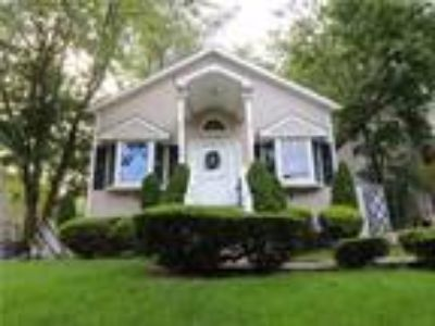 Eltingville Real Estate For Sale - Three BR, Three BA Single family