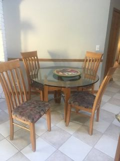 Glass kitchen table and 4 chairs