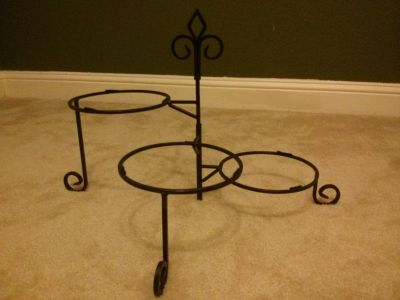 Black 3-tiered plant stand