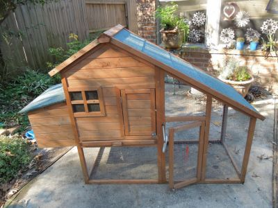 Chicken Coop for raising Baby Chickens or good rabbit hutch.