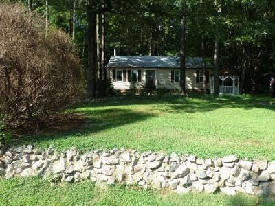 3 Bed 2 Bath Preforeclosure Property in Chester, VA 23831 - Maplevale Rd