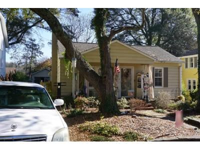 2 Bed 1.0 Bath Preforeclosure Property in Hickory, NC 28602 - 5th St SW