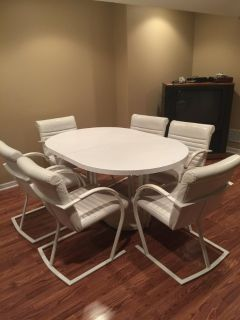 Kitchen set comes with 6 chairs