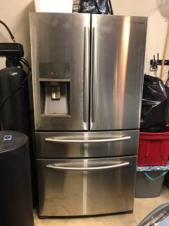 Refrigerator 200 or best offer