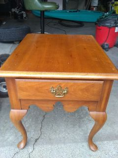 Thomasville wood table with drawer