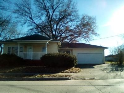 2 Bed 2 Bath Foreclosure Property in Salem, IL 62881 - W Whittaker St