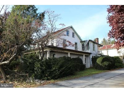 3 Bed 1.5 Bath Foreclosure Property in Lancaster, PA 17601 - New Holland Pike