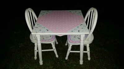 Kids Kraft table & 2 chairs. Pick up by Deer Island Store.