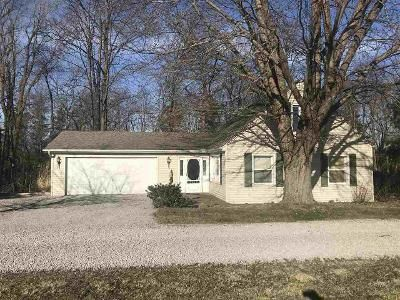 3 Bed 2 Bath Foreclosure Property in Grabill, IN 46741 - Saint Joe Rd