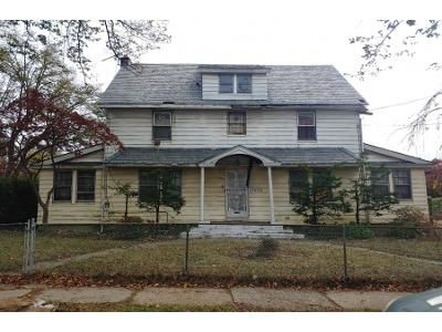 3 Bed 2 Bath Preforeclosure Property in Saint Albans, NY 11412 - 196th St