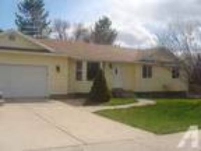 $1150 / 6 BR - Spacious House- Great Location (Smithfield) 6 BR bedroom