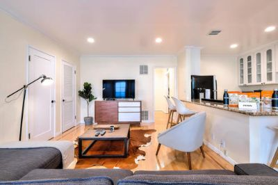 $4620 2 apartment in West Los Angeles