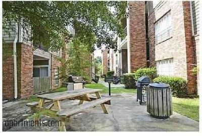 2 Beds - Lexington Apartment Homes