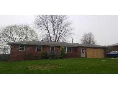 3 Bed 2 Bath Foreclosure Property in Canton, OH 44714 - 34th St NE