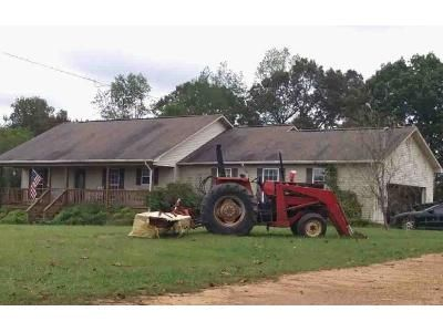 3 Bed 2 Bath Foreclosure Property in Florence, AL 35634 - Milners Chapel Rd