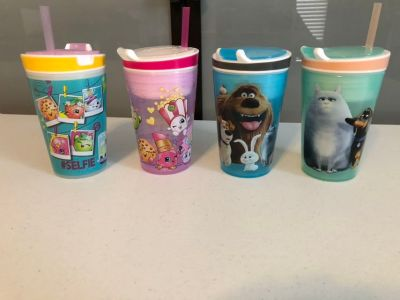 Snackeez cups, 2 Shopkins and 2 Secret Life of Pets