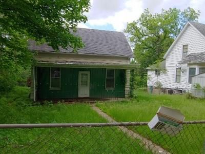 2 Bed 1 Bath Foreclosure Property in Burlington, IA 52601 - S Starr Ave