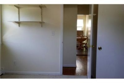Pet Friendly 2+1 Apartment in Huntington Station
