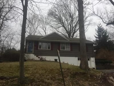 3 Bed 1.5 Bath Preforeclosure Property in Park Ridge, NJ 07656 - Colony Ave