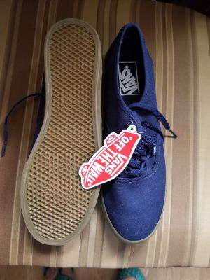 BNWT Navy Blue Vans. Size 7.5 W or M 6