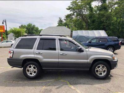2001 Jeep Grand Cherokee Laredo (Gray)