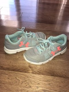 Girl Under Armour shoes