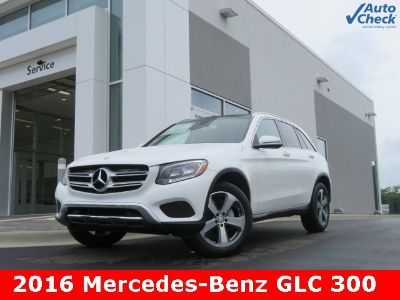 2016 Mercedes-Benz GLC (Polar White)