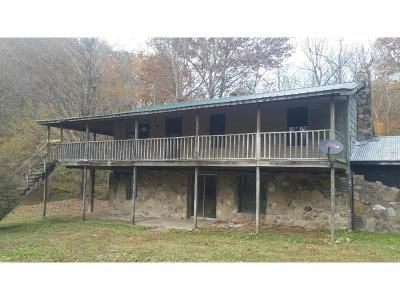 3 Bed 2 Bath Foreclosure Property in Cottontown, TN 37048 - Highway 25