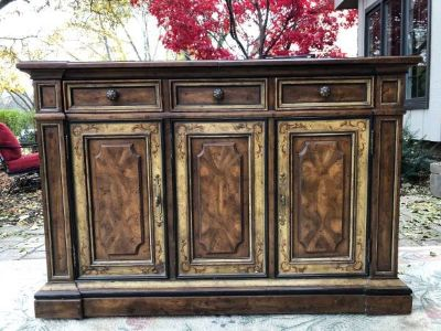 Heritage buffet/ bar server
