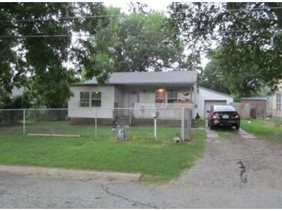 1 Bath Preforeclosure Property in Tulsa, OK 74115 - N Joplin Ave