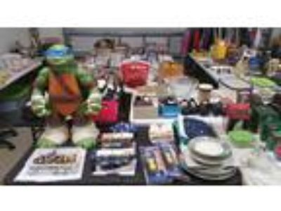 Huge Garage Sale, new items unpacked and added Everything like new or excellent