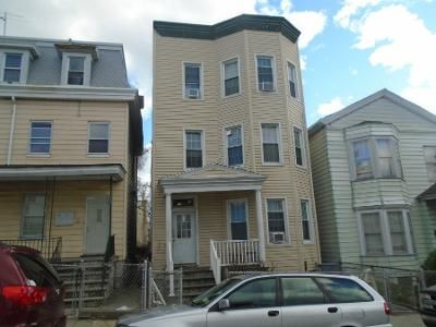 9 Bed 3 Bath Preforeclosure Property in Yonkers, NY 10701 - Elm St
