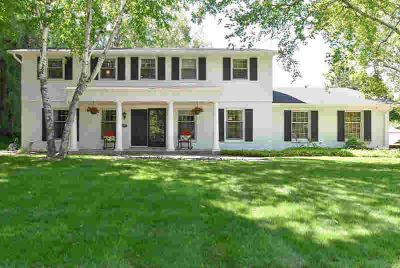 15225 Woodbridge Rd Brookfield Five BR, Come view this all