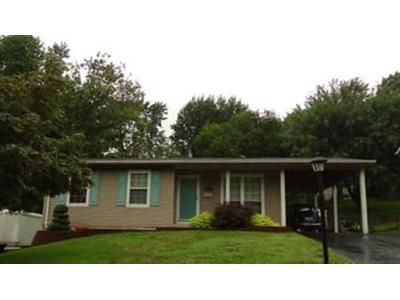3 Bed 1 Bath Foreclosure Property in Hazelwood, MO 63042 - Ville Rosa Ln