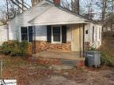 Two BR, One BA rental property. House is t...