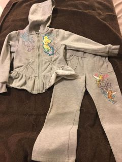 Sweatsuit outfit