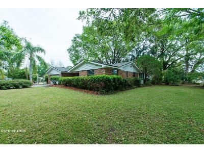 4 Bed 3 Bath Foreclosure Property in Mims, FL 32754 - Sterling St