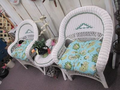 2 Wicker Chairs With Matching Table