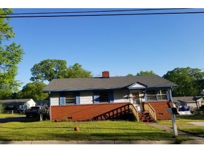 3 Bed 2 Bath Preforeclosure Property in Hopewell, VA 23860 - Freeman St