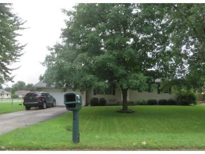 3 Bed 1 Bath Preforeclosure Property in Machesney Park, IL 61115 - Brentwood Rd