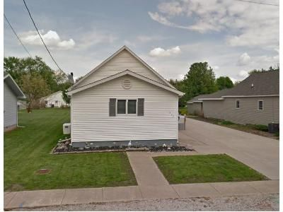 2 Bed 1 Bath Foreclosure Property in Divernon, IL 62530 - S Lincoln St