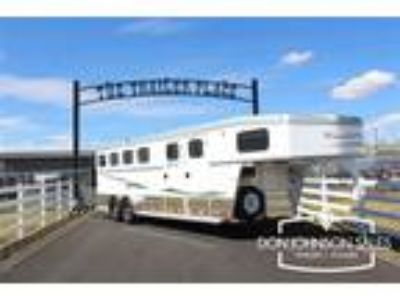 2015 Trails West Sierra Specialite 4H - Reduced to Move 4 horses