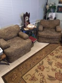 TWO BROWN LIVING ROOM CHAIRS