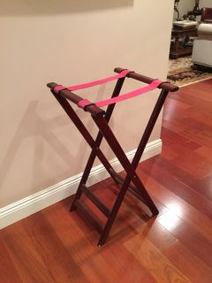 Folding rack for large tray or luggage
