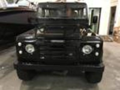 1985 Land Rover Defender 90 Station Wagon